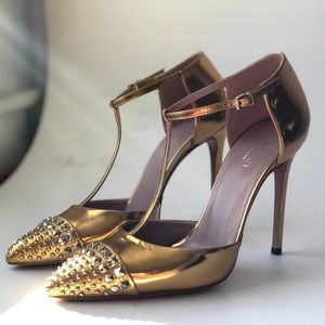 GUCCI Gold Leather Studded Glow Light Heels 7.5